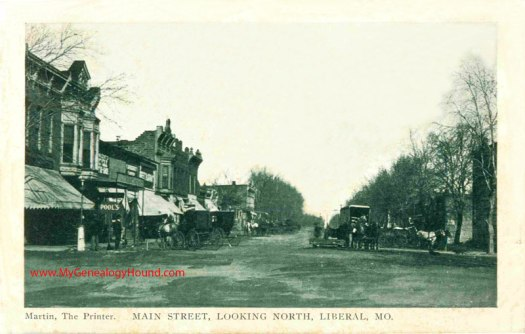 MO-Liberal-Main-Street-Looking-North-vintage-postcard